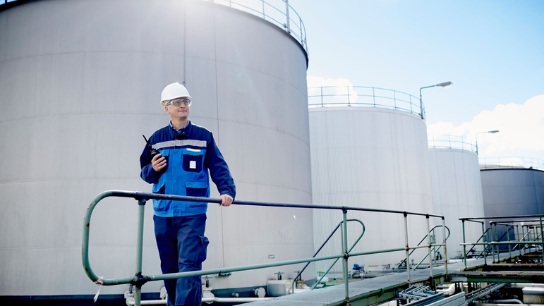 Inventory monitoring of a tank farm