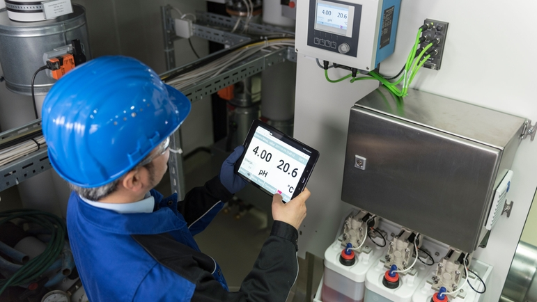 Control the system and the entire measuring point conveniently with a tablet or smartphone.