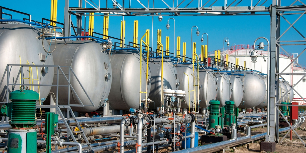 Light crude oil separators